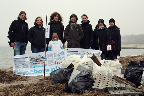 "Hohe Düne (GERMANY): ""Ocean Initiatives 2012"": EUCC-D collecting Marine-litter at the beach."